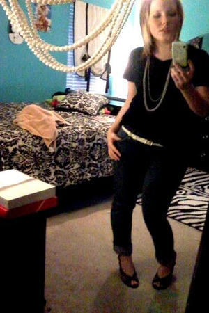 rue21 t-shirt - PacSun jeans - thrifted shoes - American Eagle necklace