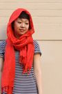 Black-zara-dress-white-keds-shoes-red-scarf