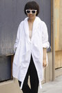 White-oversized-saxony-shirt-black-chictopia-shop-shoes