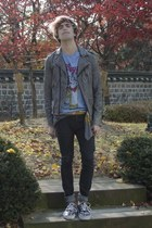 Pull & Bear t-shirt - H&M jeans - H&M jacket - Pull & Bear scarf - Vans sneakers