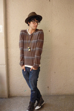 Zara hat - pull&bear sweater - Converse sneakers