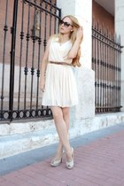 ivory Queens Wardrobe dress - dark brown Gucci sunglasses - ivory Zara pumps
