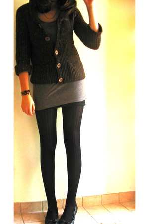 brown grandmas jacket - black H&amp;M shoes - gray H&amp;M dress - black monoprix tights