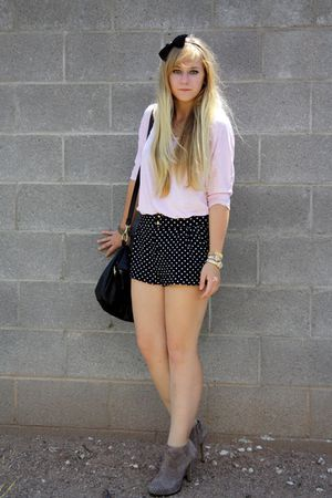 black H&M shorts - pink f 21 shirt