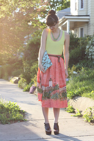 salmon vintage skirt - turquoise blue handmade bag - lime green H&amp;M t-shirt