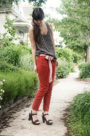 dark gray Gap top - red Urban Outfitters pants - black Forever 21 heels - pink b