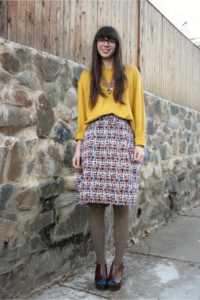 maroon vintage skirt - gold sweater - light brown Anthropologie tights