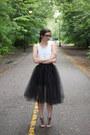 White-thrfited-top-black-urban-outfitters-skirt-black-blowfish-sandals