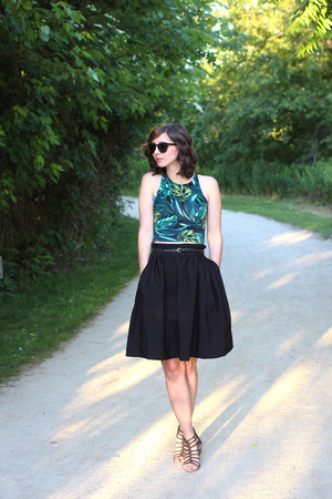 green American Apparel top - black H&M skirt - black Blowfish sandals