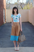 light brown handmade - Megan Nielsen pattern skirt - ivory seychelles shoes