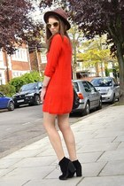 red knitted H&M dress - black suede Topshop boots - brown fedora H&M hat