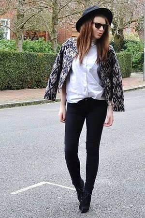 tan printed H&amp;M jacket - black suede Topshop boots - black denim Topshop jeans