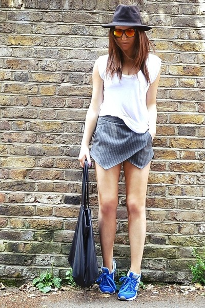 heather gray striped Zara shorts - white cotton Gap t-shirt