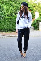 white cotton River Island sweatshirt - gold mirrored Topshop sunglasses