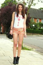 Zara shorts - Aldo hat - Zara t-shirt