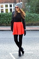 red cotton River Island skirt - black suede Topshop boots
