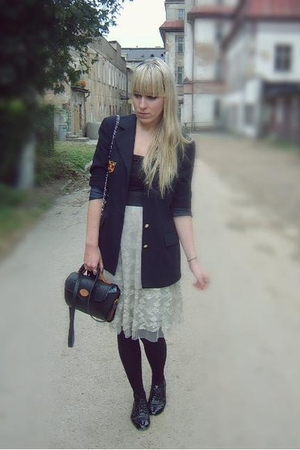 M&S blazer - modcloth skirt - new look top - Primark shoes - vintage purse