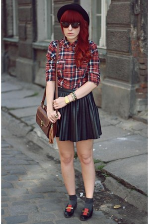 black H&amp;M skirt - brick red new look shirt