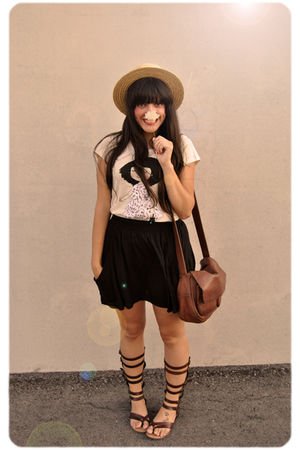 beige vintage t-shirt - black Zara skirt - brown Vintage from Madrid accessories