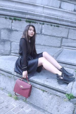 H&M boots - Urban Outfitters bag - new look skirt - Zara blouse