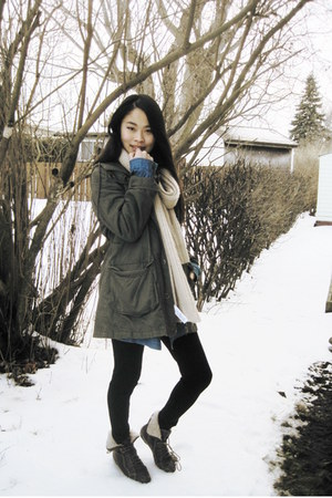 forest green parka coat - black spandex leggings - blue denim shirt shirt