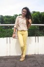 Light-pink-bag-light-yellow-oxford-flats-yellow-pants-peach-top
