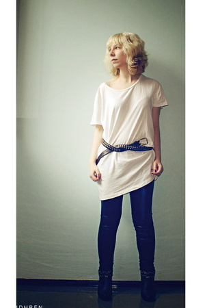 GINA TRICOT t-shirt - Ida Sjstedt pants - Global Essentials shoes - boyfriends b
