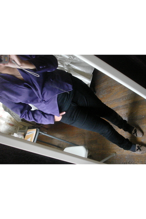 purple blazer - black shirt - black pants