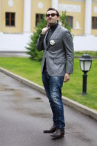 Gucci shoes - Dsquared2 jeans - Zegna jacket - Moschino blazer - Dsquared2 acces