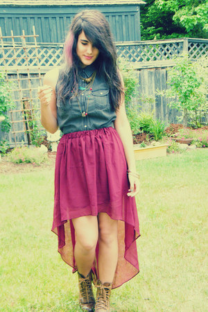 heather gray H&M shirt - brown The Shoe Warehouse boots - brick red romwe skirt