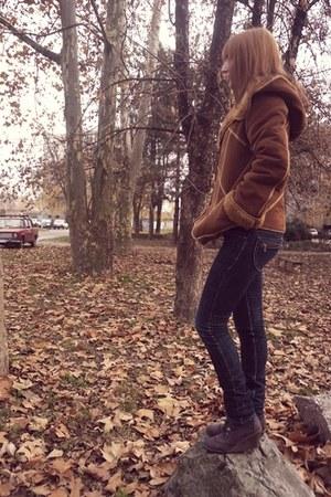 brown jacket - navy jeans - brown wedges