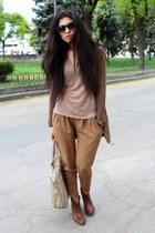 Bershka boots - Bershka pants - Reporter t-shirt - Bershka cardigan