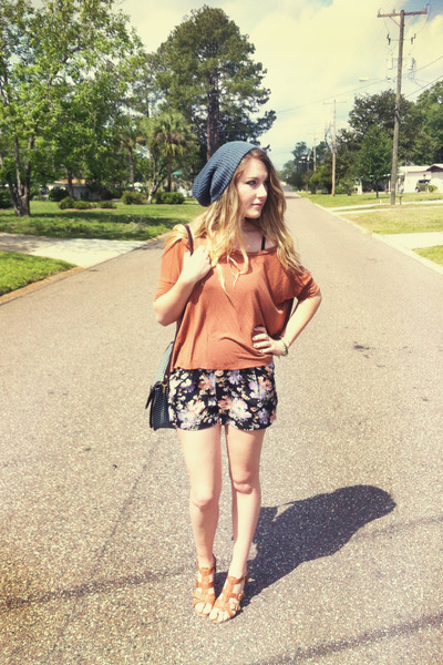 floral Urban Outfitters shorts