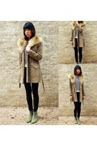 dark khaki dicker Isabel Marant boots - tan fur collared vintage coat