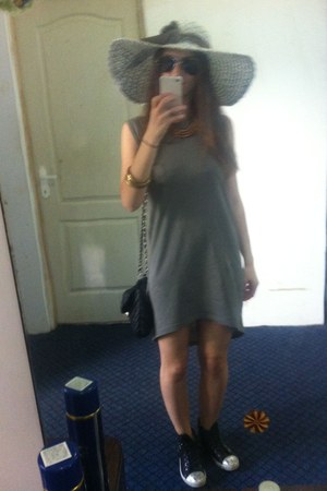 charcoal gray H&M dress
