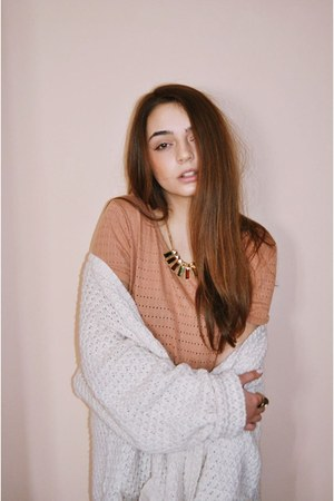 eggshell Bershka cardigan - yellow Accessorize ring - light orange H t-shirt