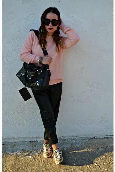 black balenciaga bag - bubble gum H&M sweater - black Celine sunglasses