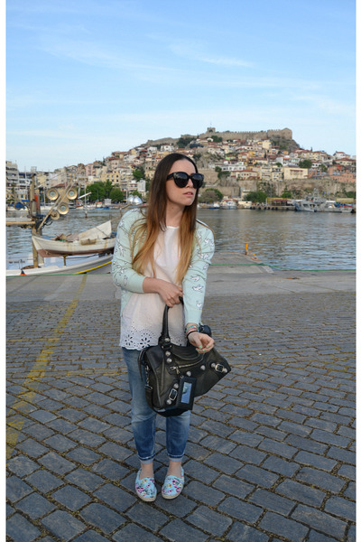 blue DSquared jeans - black balenciaga bag - black Celine sunglasses