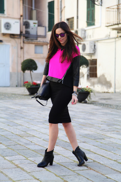 black sarenza shoes - hot pink milly sweater - black Stradivarius skirt