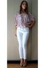 White-pants-light-pink-shirt-neutral-heels-white-belt