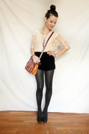black velvet Stradivarius shorts - peach lace pull&bear top