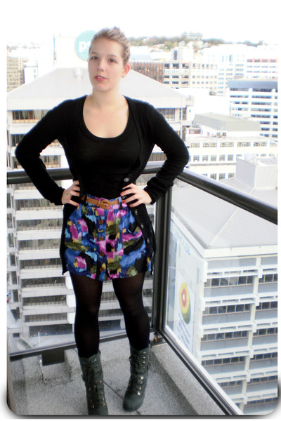 blue Jay Jays skirt - gray Jeffrey Campbell boots - black Glassons top - black D