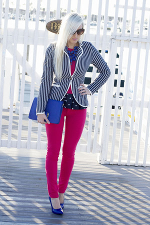 hot pink skinny Coushion jeans - hot pink crew neck a&amp;f sweater