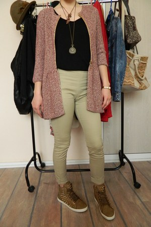 Zara cardigan - H&M leggings - Miss Sixty accessories