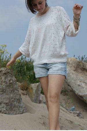 denim Terranova jeans - cream large cotton sweater - handmade cotton bracelet