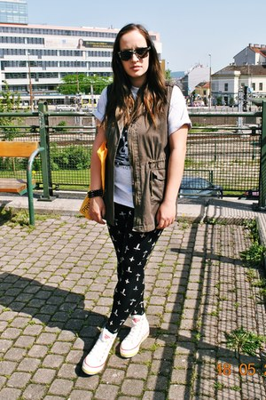 army Primark vest - crosses Tally Weijl leggings - soho new york vintage shirt