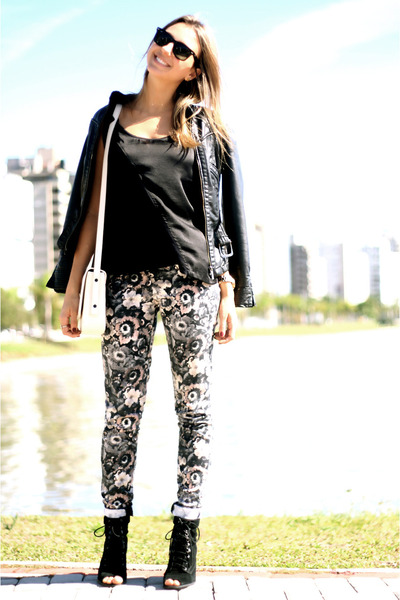 pink floral printed Zara pants - black leather jacket Zara jacket