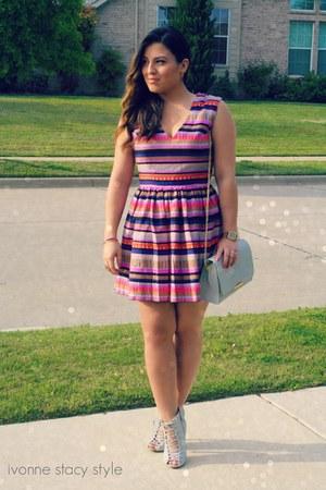 silver UrbanOG shoes - maroon Forever 21 dress