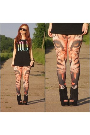 yolo New Yorker t-shirt - leopard face no name leggings