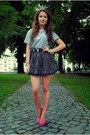 Secondhand-t-shirt-atmosphere-skirt